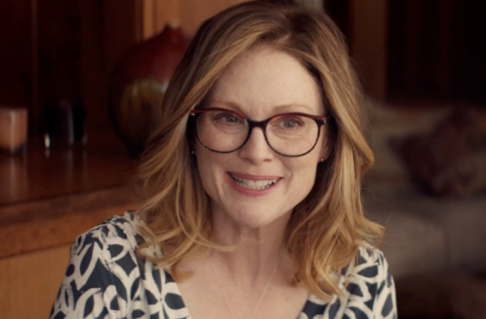 MOVIE REVIEW: GLORIA BELL